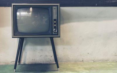 Samotny odpoczynek przed tv, lub niedzielne filmowe popołudnie, umila nam czas wolny oraz pozwala się zrelaksować.
